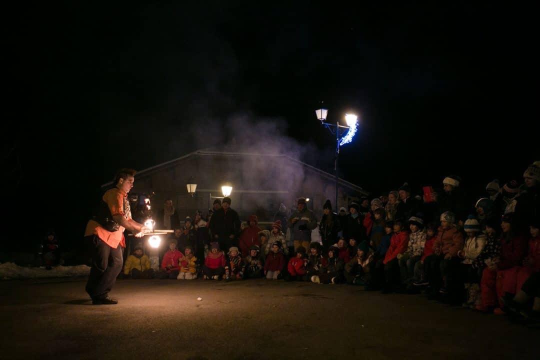 Spectacle de feu, jonglerie enflamée AZIMUTE 2000