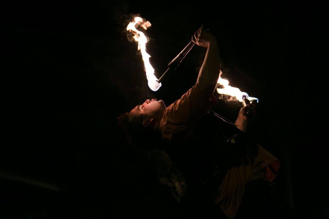 Spectacle de feu, jonglerie enflamée AZIMUTE2014
