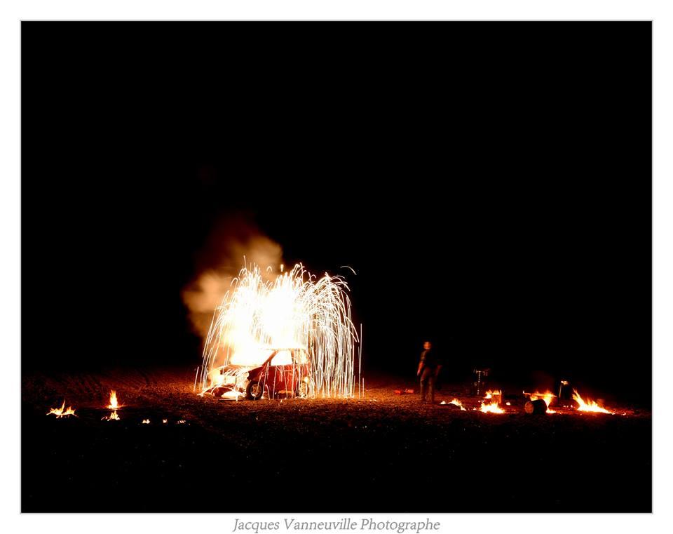 """Spectacle de feu """"Garage Ardent"""" nouvelle création pyrotechnique 2017 CIE Bastien Minederien"""
